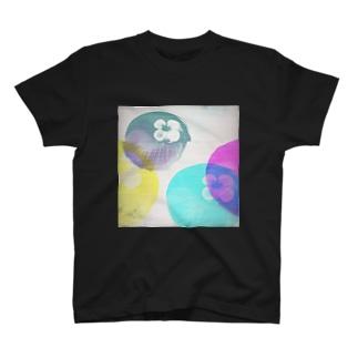 Color me.8 T-shirts