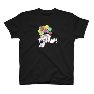宇宙遊泳 T-shirts