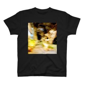 新宿御苑前 T-shirts