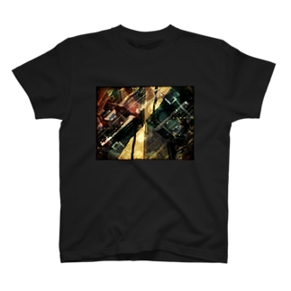 シンメトリー都市 T-shirts