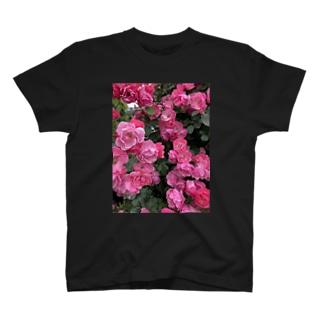 薔薇🌹 T-shirts