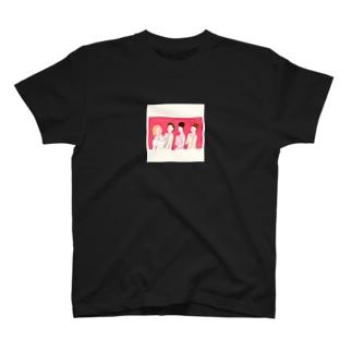 ブライズメイド👩🏻🤝👩🏼👩🏽🤝👩🏻 T-shirts