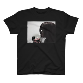 火花 T-shirts