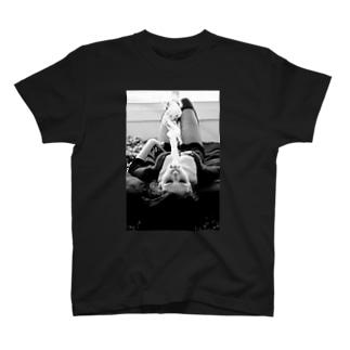 煙女 T-shirts