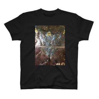 カミ T-shirts
