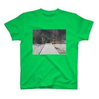国境  T-shirts