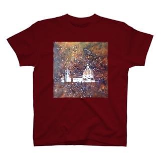 花火の夜の大聖堂 T-shirts