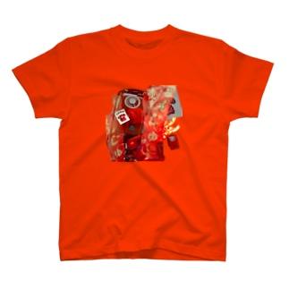 赤 T-shirts