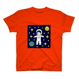 宇宙遊泳するBUTATAKA T-shirts