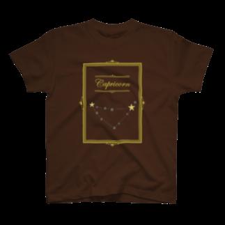 tomokomiyagamiのスタースタッズ星座 山羊座 T-shirts