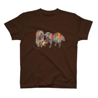狸と虫 T-shirts