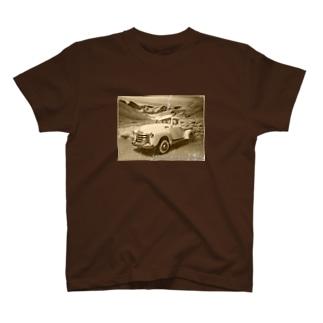 Classic car photo -CHEVROLET3100- T-shirts