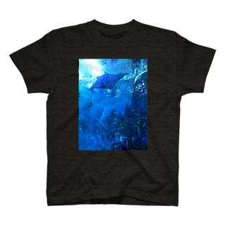 Swimming with MANTA  T-shirts
