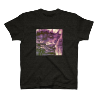 戦艦サメ獣人 T-shirts