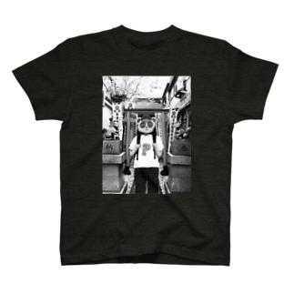 神社タヌキ T-shirts