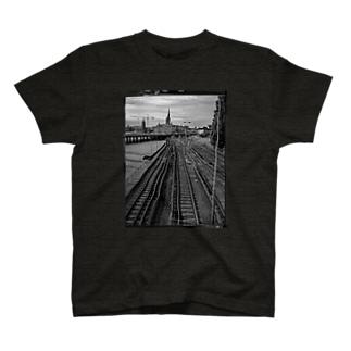 線路 T-shirts