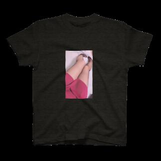 NYANGOROの網タイツのアノ子 T-shirts