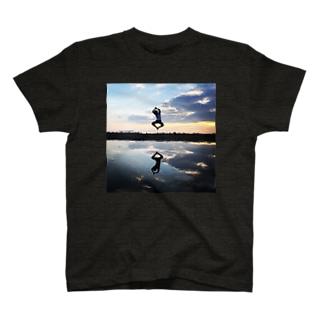 まつもと🇯🇵のマンガみたいなジャンプ T-shirts