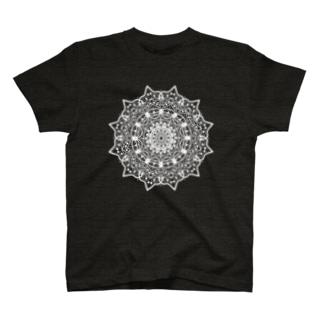 曼荼羅乃型一乃白 T-shirts