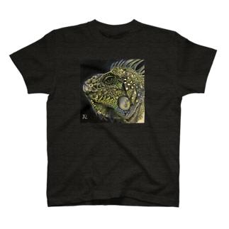 tashiroriekoイグアナ T-shirts
