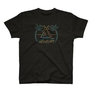 ピラミッド_ブラック T-shirts