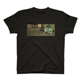 義足のバレリーナ Ⅱ T-shirts