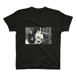 マダム・シズコ T-shirts
