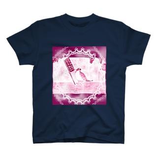 キリッと酉干支天使(バッタン) T-shirts