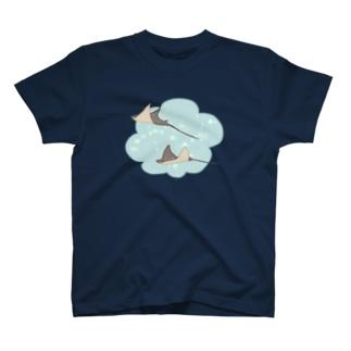空飛ぶエイ T-shirts
