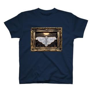 太陽の蛾 T-shirts