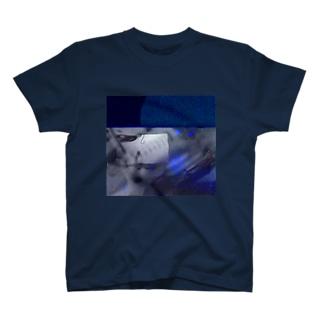 何を引っ掛けるの? T-shirts