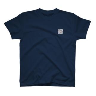 ペンギン イン ザ ロッカー T-shirts