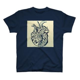 心臓technology T-shirts