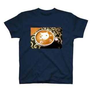 【ラテアート】カフェラテと白犬 T-shirts