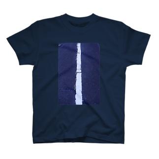 白線 T-shirts