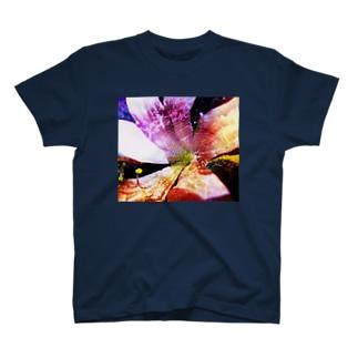 花と蜘蛛 T-shirts