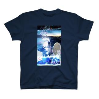青い写真とサカナの絵 T-shirts