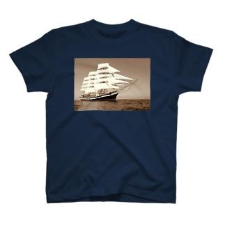 帆船セピア~宝を求めて大冒険~ T-shirts