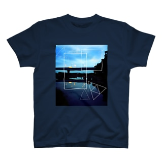 水面 T-shirts