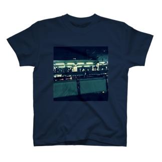 夜の駅 T-shirts