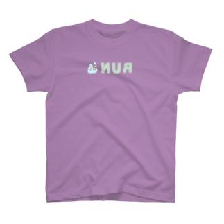 裏RUN!うさぎねこライトブルー T-shirts