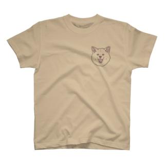 春風工房の秋田犬ハッピースマイル白毛 T-shirts