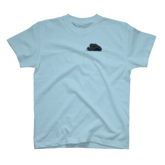 Lichtmuhleのポケットでネンネするモルモット03 T-shirts