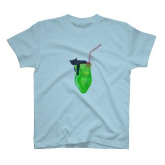 クリームソーニャ  T-shirts