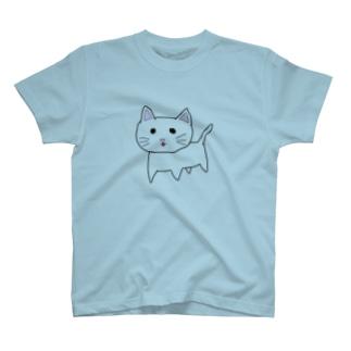 タレ目のにゃんこ🐱 T-shirts