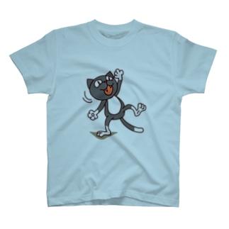 くつ下ねこさん(驚く) T-shirts