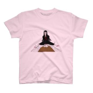 闘牛を交わすミチコ T-shirts