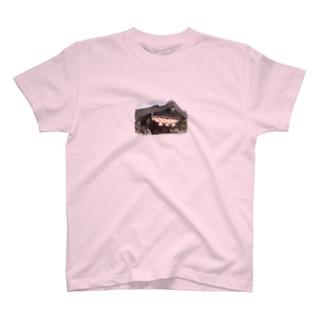 縁結びの神様 〜出雲大社〜 T-shirts