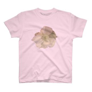 デカイ花 T-shirts