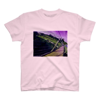 闇な空間 T-shirts